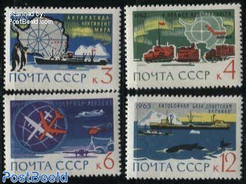 Arctica and antarctica 4v