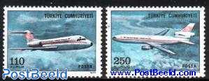 F28 and DC10 aeroplanes 2v