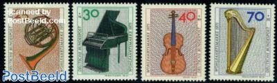 Welfare, music instruments 4v